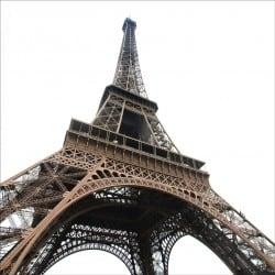 Stickers muraux déco : Tour Eiffel vue d'en bas